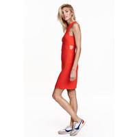 H&M Sukienka z wycięciami 0434808001 Czerwony