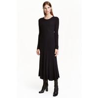H&M Dzianinowa sukienka 0422452004 Ciemnoniebieski