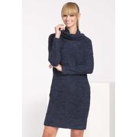 Monnari Jesienna sukienka boucle SUKIMP0-16J-DRE2480-KM13D601-R0S
