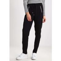 Cream ANEMONE Spodnie materiałowe pitch black CR221A039