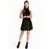 H&M Błyszcząca sukienka 0429274009 Czarny/Srebrny