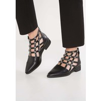 Eeight RHYSE Ankle boot black EE311N007