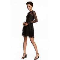 H&M Koronkowa sukienka 0454242002 Czarny