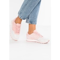 Reebok Classic CL LEATHER NBK Sneakersy niskie pale pink/chalk pink RE011A01P