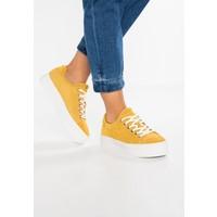 Bullboxer Sneakersy niskie yellow BU211A036
