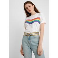 Topshop DAYDREAMER RAINBOW TEE T-shirt z nadrukiem white TP721D0KH