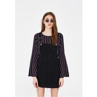 PULL&BEAR JEANS-LATZHOSE MIT TASCHE Sukienka jeansowa black PUC21C01K