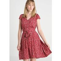 Louche CATHLEEN BLOOMING Sukienka koszulowa red L4621C0BZ